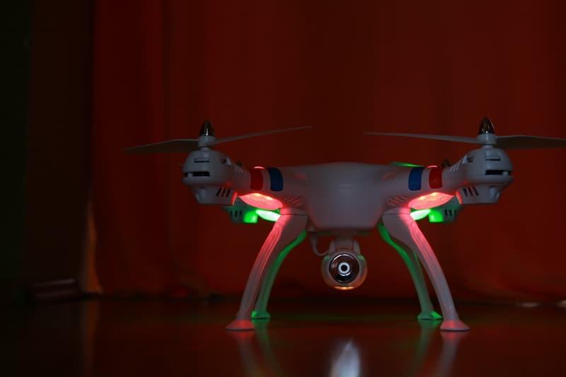 Syma-X8W led lights
