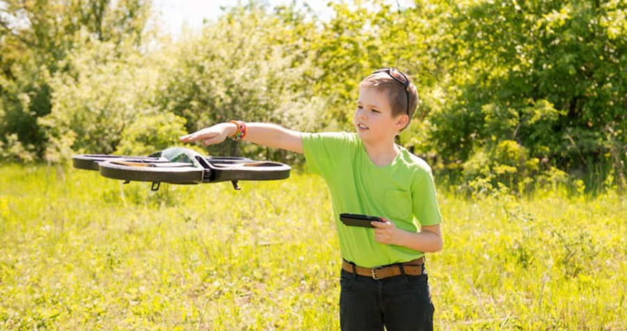Best Drones For Kids [SEPT. 2017]