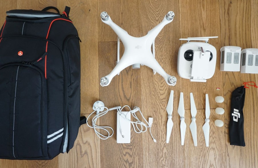 drone-and-backpack_web
